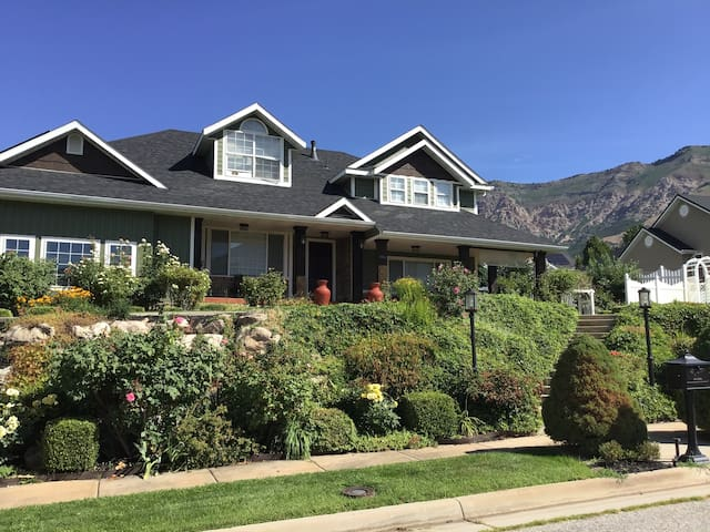 Spacious mountain home perfect for family vacation