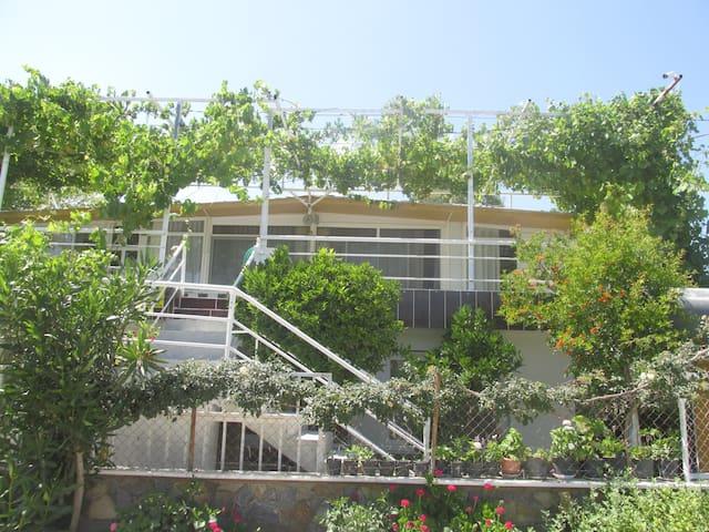 İZMİR GÜMÜLDÜR DENİZE SIFIR YAZLIK - Menderes - House