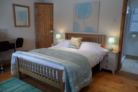 Converted Stable on 60 acre farm - Knowle - Pis