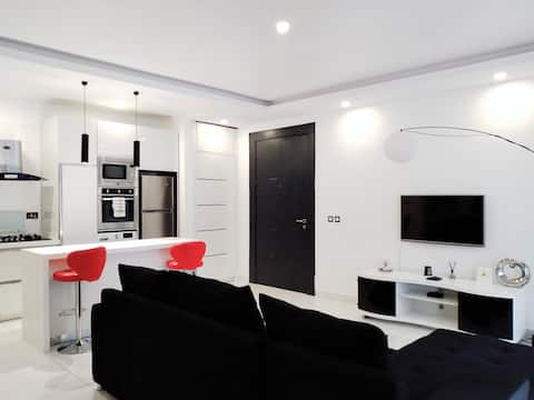 Novus Sensa 1E - Miami Style 2BR Lekki Apartment