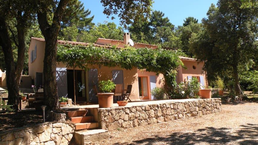 Near St Tropez, lovely villa. - Ла-Гард-Френе
