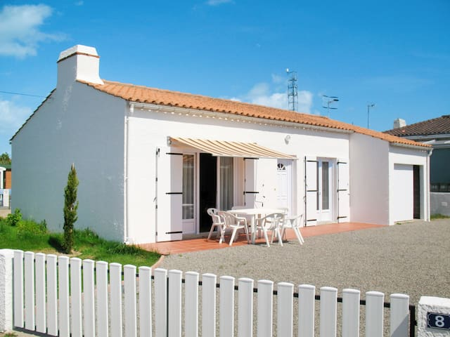 Holiday home in La Tranche-sur-Mer for 5 persons