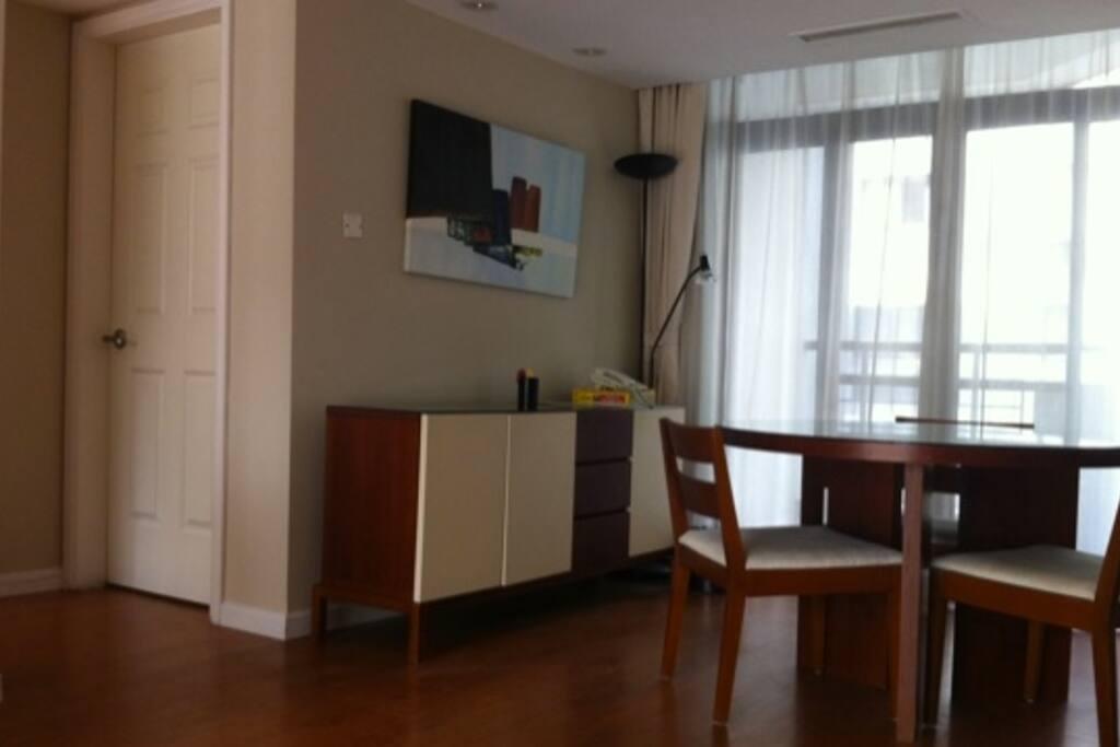 家具齐全  living room