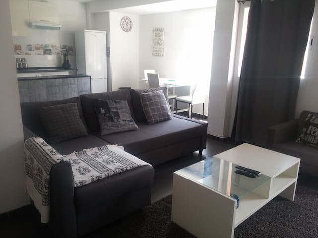 Nice Appart Near Beach,Port,Art and Science Center - València - Apartamento