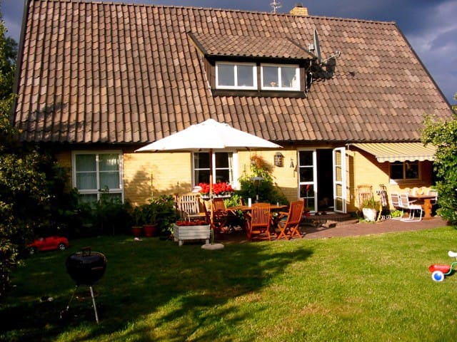 Villa 5 min walk from the beach - Falsterbo