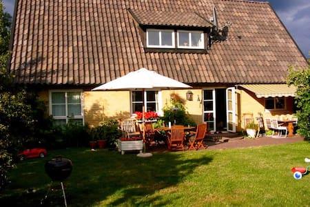 Villa 5 min walk from the beach - Falsterbo