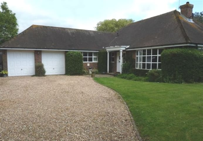 Friendly location near to Goodwood. - Chichester - Bed & Breakfast