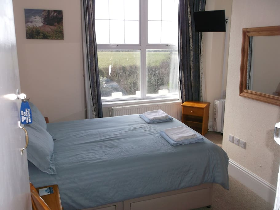Double room 1 with ensuite bathroom and great sea views
