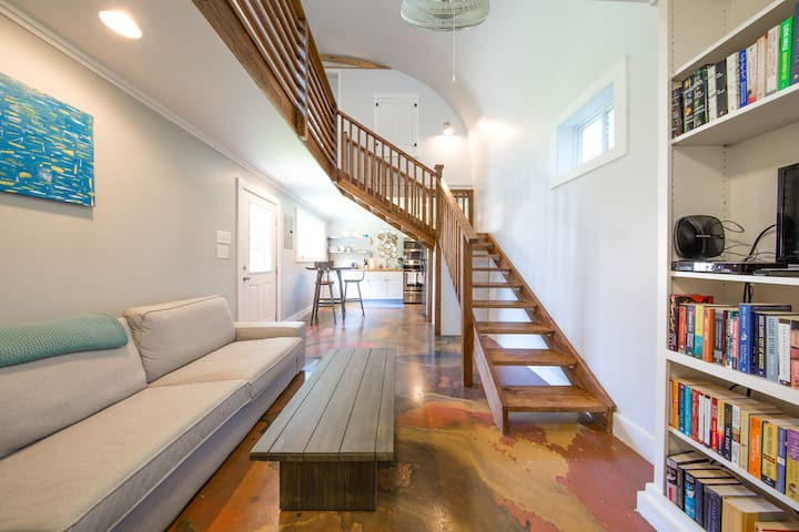 Downtown private guest house + yard - Charleston - Loft