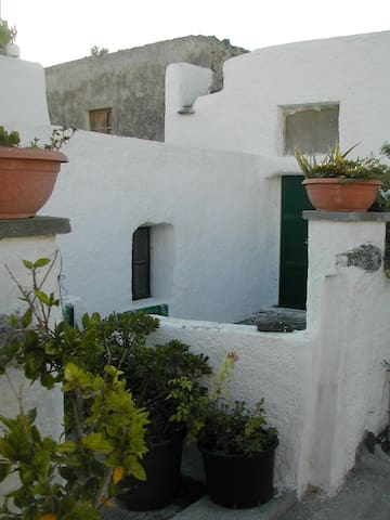 Traditional house in Santorini - Episkopi Gonias - Talo
