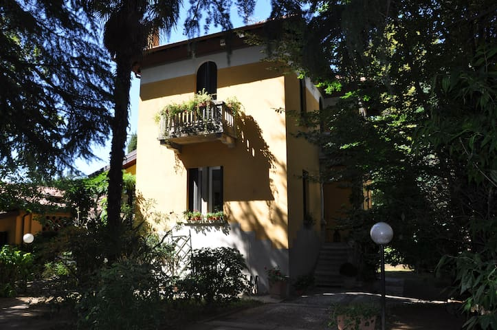 Bed & Breakfast Villa Ida - Carnago