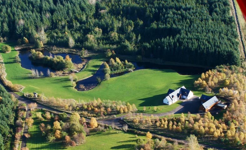 Willowbarn Luxury  Accommodation - Forres - Chalet