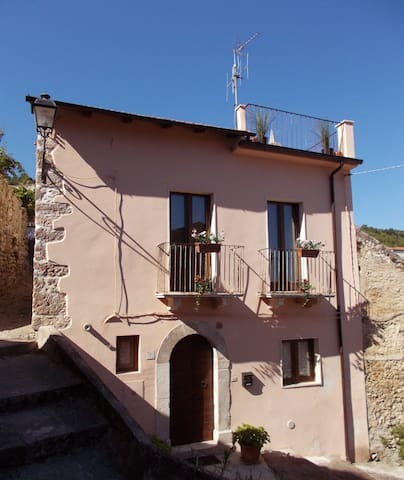 Casa Rosa Detached, Roof Terrace, Garden, BBQ WiFi - Bugnara - Villa