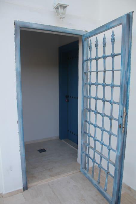 Üst kat bağımsız giriş / 2nd floor independent entrance