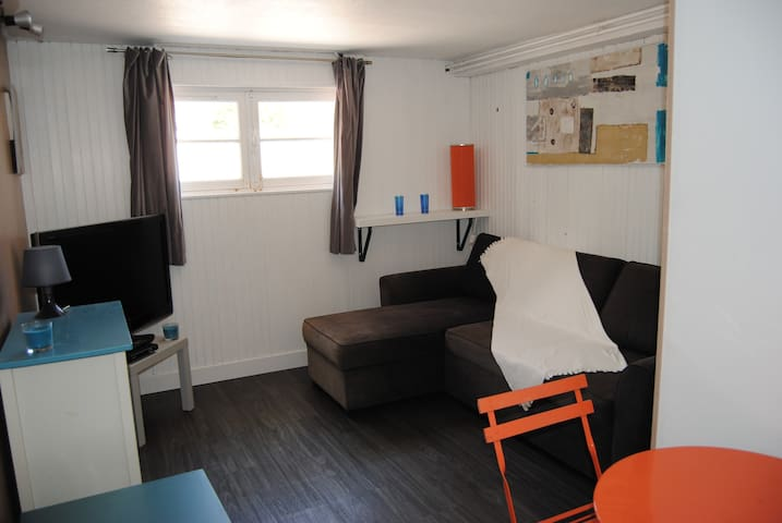 Beau studio 24 m2   RDJ,  terrasse - Toulon - Dom