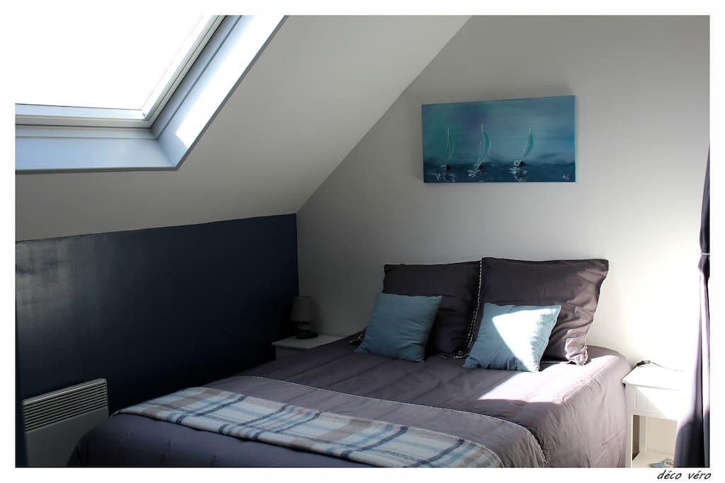 chambre avec lit 2 pers. 140 x 190 cm draps fournis