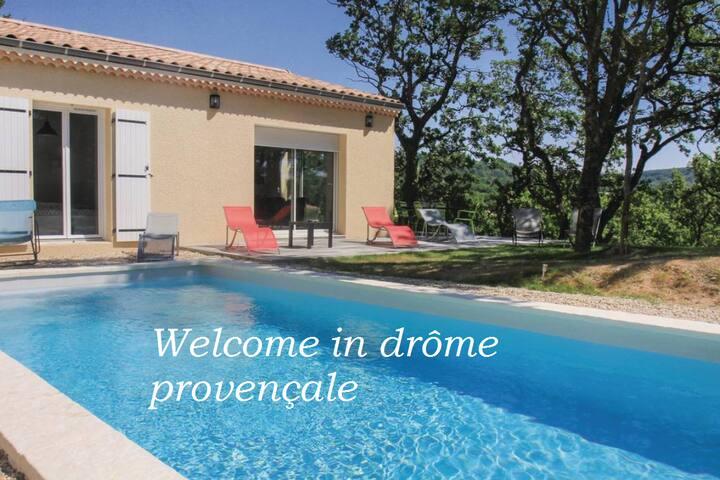 Villa entière 4 chambres avec piscine au calme