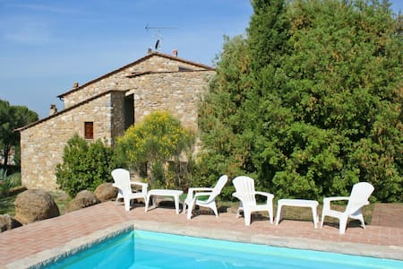 Casa Mauro, sleeps 12 guests in Volterra - Volterra