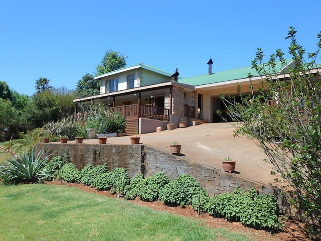 Two Falls View SC Guest House-BVFS - Sabie - Apartment