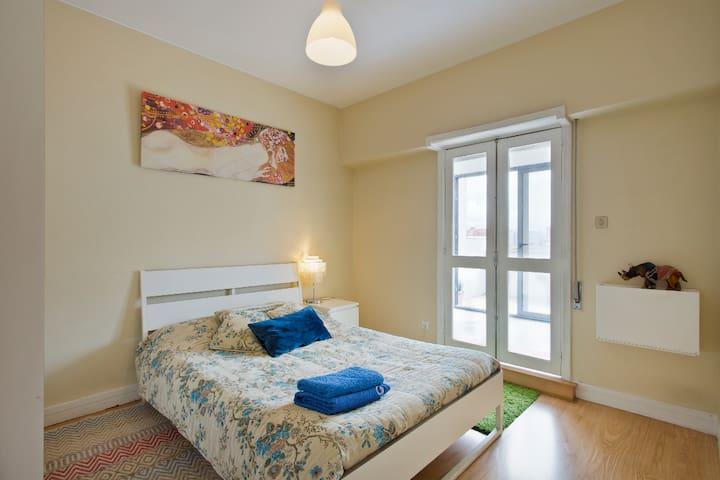 Les Animaux Imaginaires 4 (Private Terrace Room)