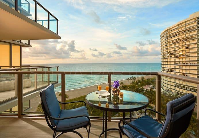 ★★★★★ St Regis - Ultra luxury oceanfront - 2 BR