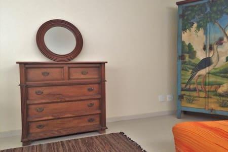 SERIEMA Estúdio decorado, prático e bem localizado