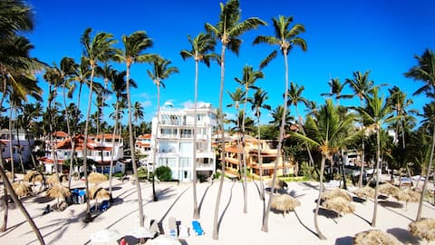 Ocean Window Condo Paradise