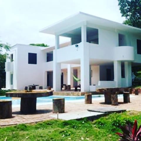 Mansion del Lago , prado , tolima - Prado - Bed & Breakfast