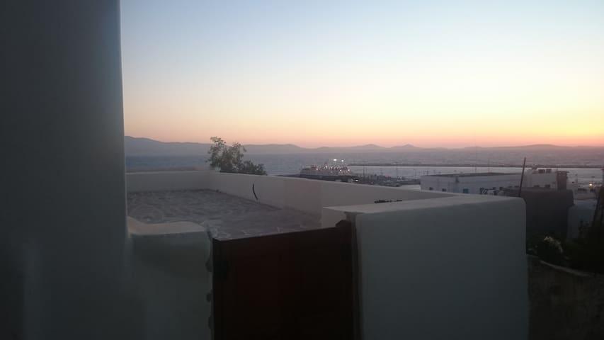Spiti Vassili kai Eirinis Melissinou - Naxos - House