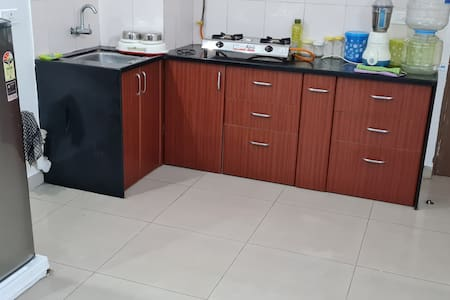 1BHK Flat-Fully furnished with functional kitchen
