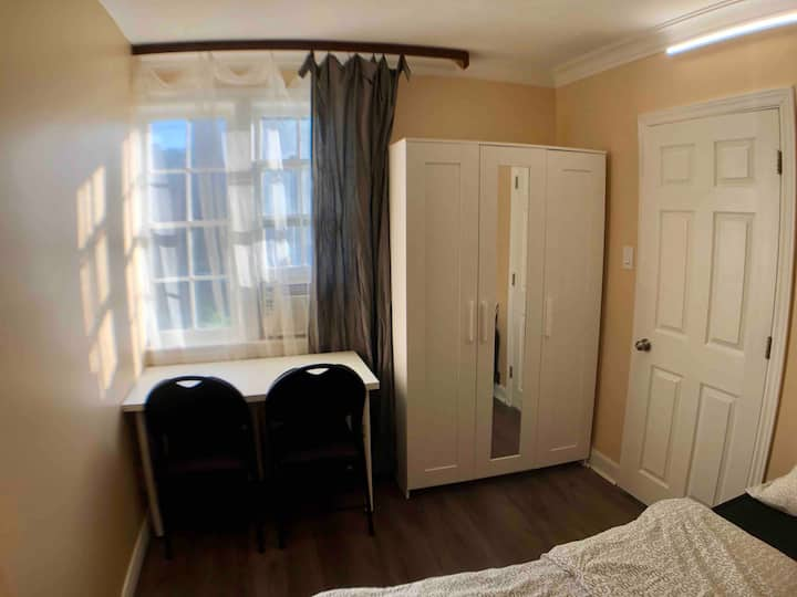 Small Private Room in Bloor West Village