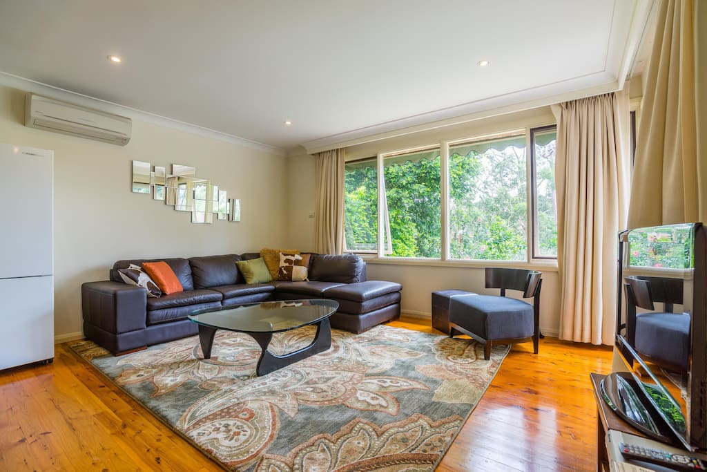 Your private living room to relax next to beautiful national park views. Tv, wifi, DVDs, and heat and aircon to keep you comfortable.