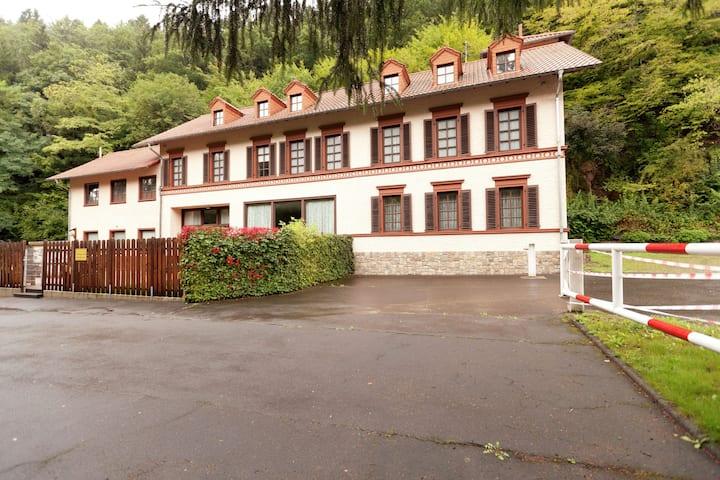 Maison de vacances moderne avec piscine privée à Rohl