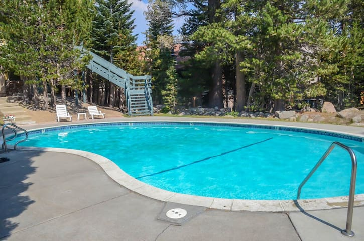 Rare Find 2 King Bds 2 Full Baths Superhost OWNER - Mammoth Lakes - Flat