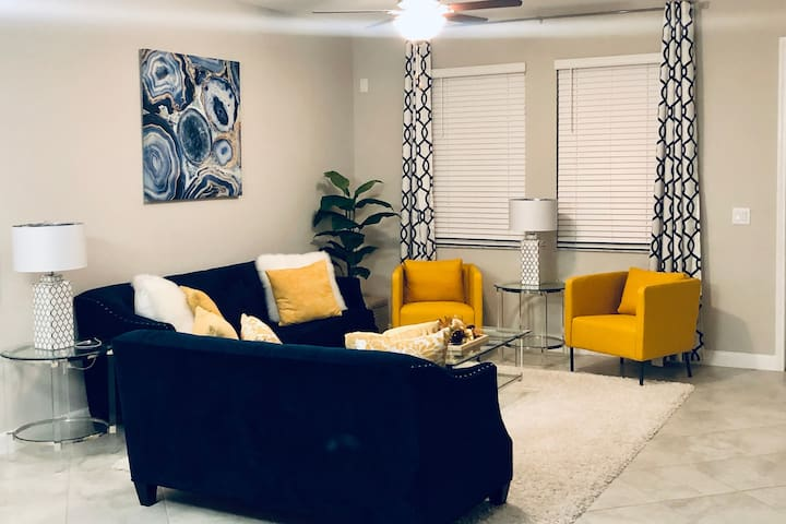 Quiet and Cozy Private room in Riverview, FL