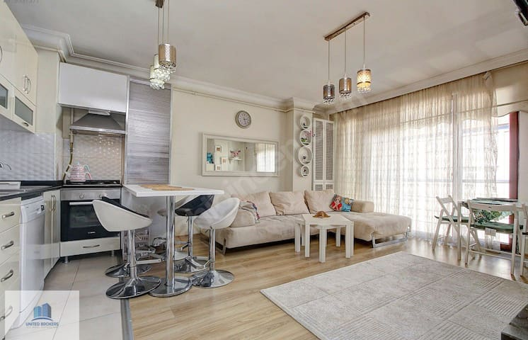 Stylish Duplex  in city center 10 min. to subway