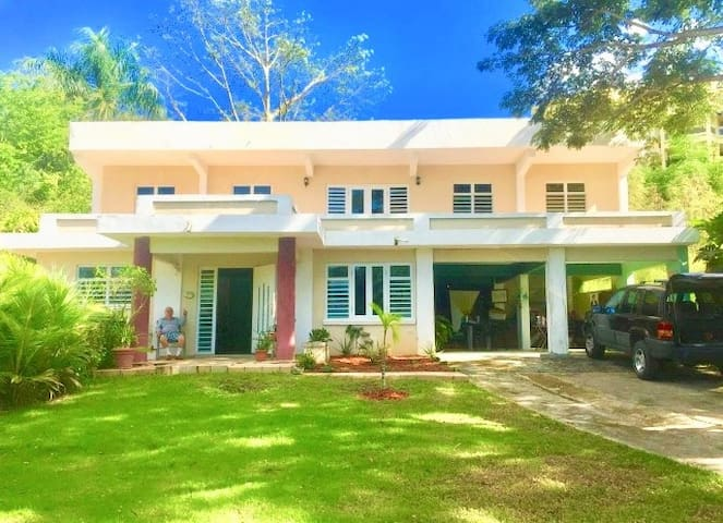 Beach House, Cabo Rojo, Puerto Rico, Playa Buyé
