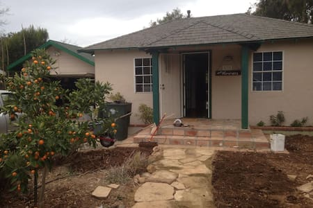Simple Stay near Ojai - Oak View