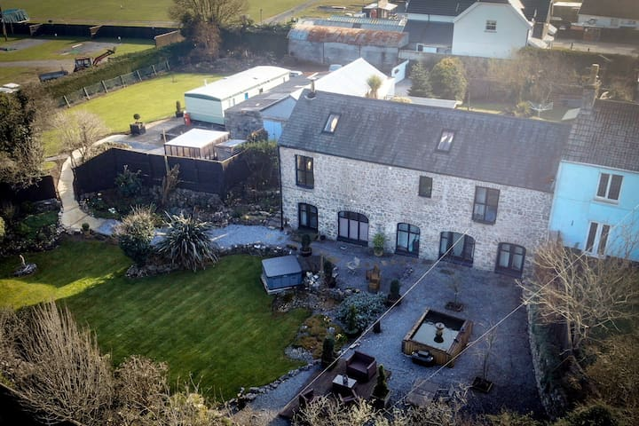 Barn Conversion just over 1 mile from the beach