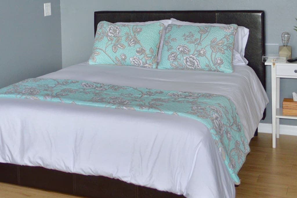 Cozy queen bed with luxurious memory foam mattress