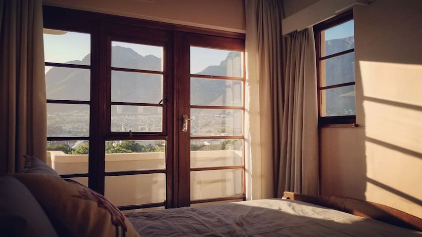 ROOM WITH A VIEW | What you see from the bed
