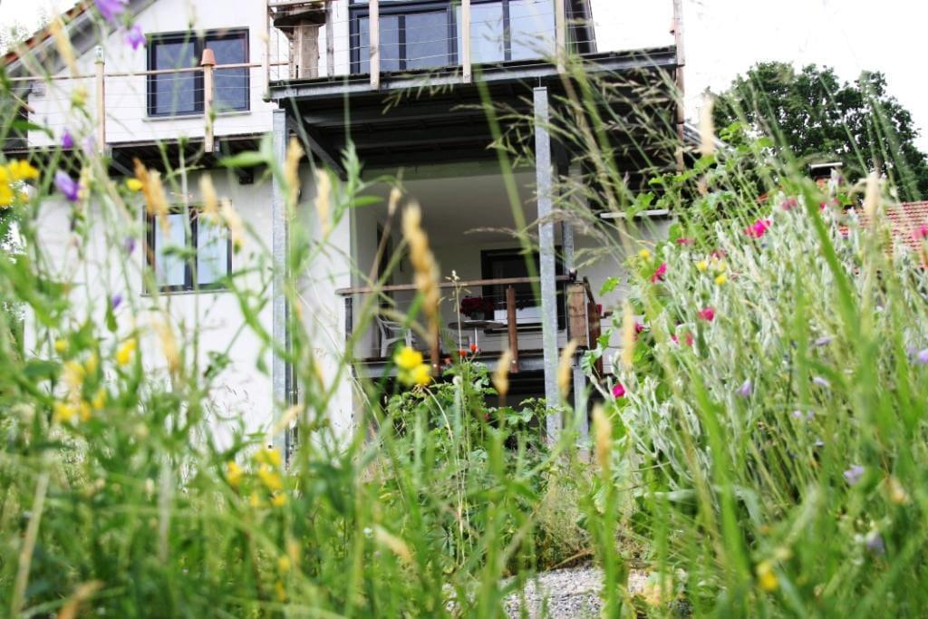 ruhige 100qm wohnung mit terrasse appartements en r sidence louer waldkirchen bayern. Black Bedroom Furniture Sets. Home Design Ideas