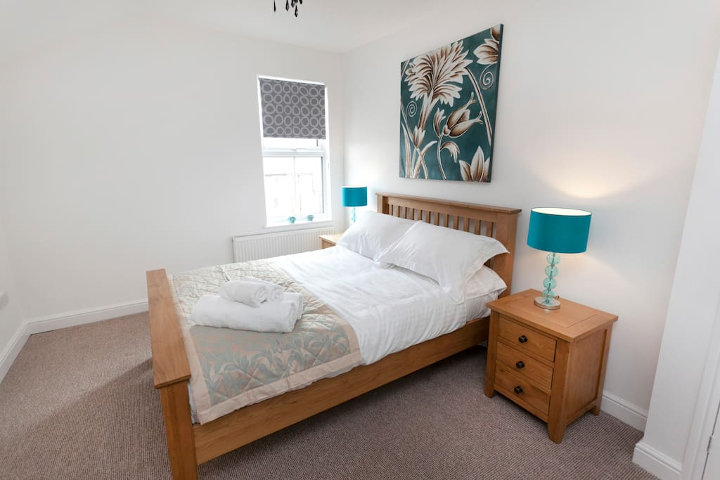 Serviced apartment with double bedroom