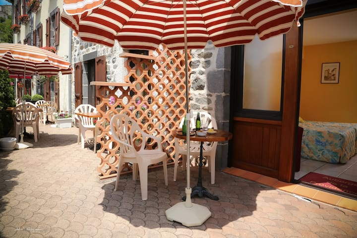 providence - Saint-Flour - ที่พักพร้อมอาหารเช้า