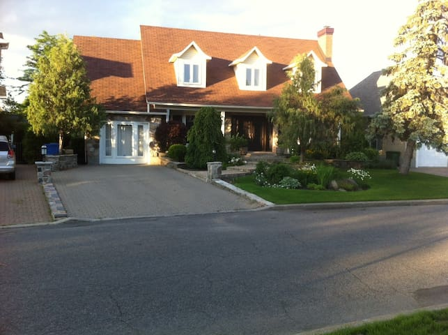 Canadian style house - Boucherville - Huis