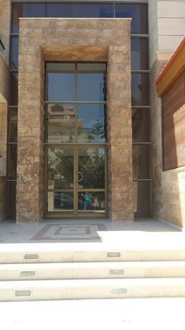 2 Bedroom Apartment in Abdoun (New) - Aman - Apartamento