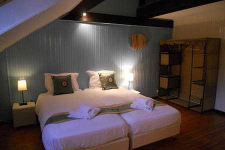 Pyrenees Emotions, Chambre double - Malvezie - Bed & Breakfast