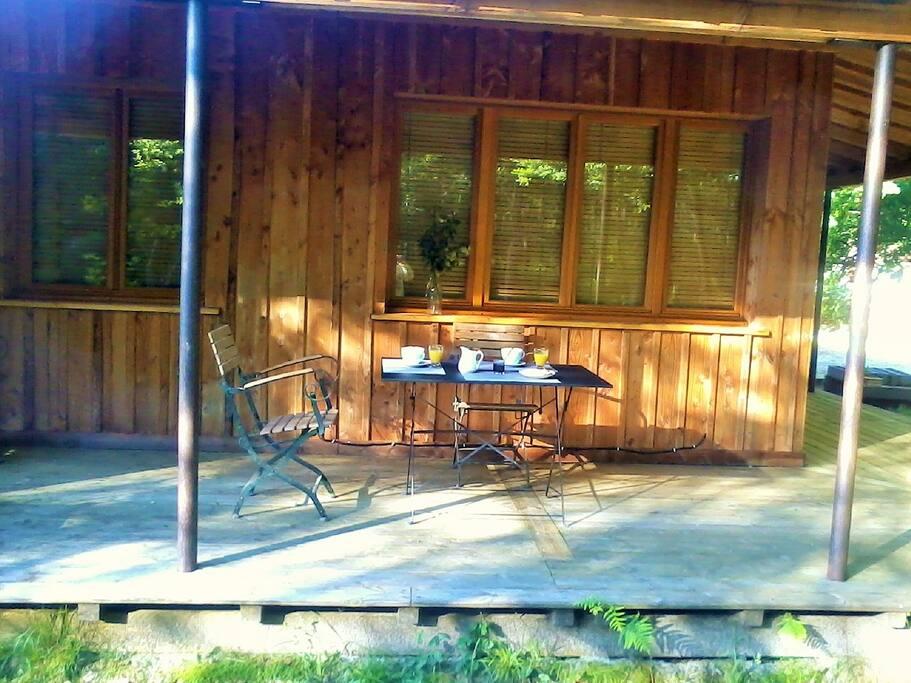 votre terrasse privative avec petit déjeuné