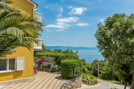 Romantic apartment with sea view - Medveja