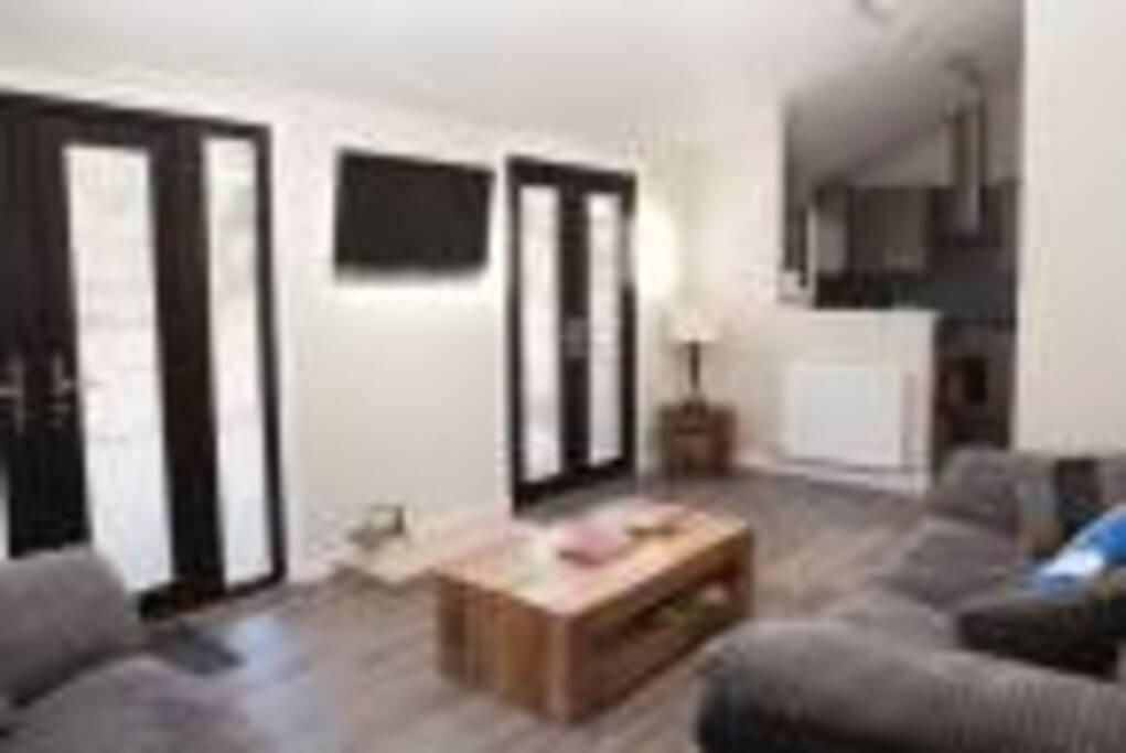 Livingroom towards kitchen